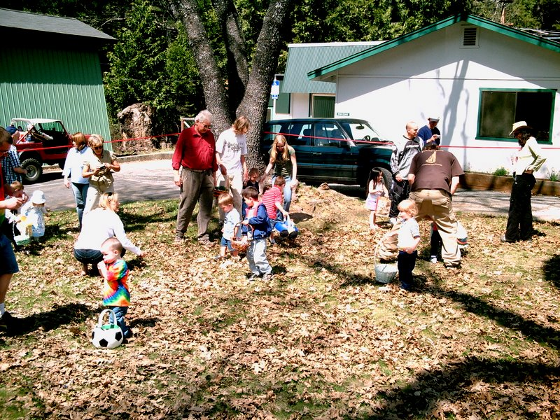 Cedar Center Easter Egg Hunt 2007
